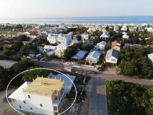 18 W Palm Beach Street, Miramar Beach, FL 32550