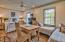 Carriage House with additional beds / full kitchen / full bathroom