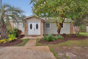 44 NW Jonquil, Fort Walton Beach, FL 32548