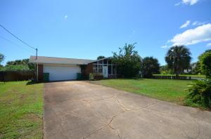832 Tarpon Drive, Fort Walton Beach, FL 32548