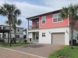 Leisure Bay Community with only 10 homes and 3 blocks from the Gulf