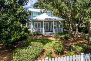 Great curb appeal with picket fence