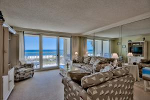 Tastefully updated 3 bedroom gulf front