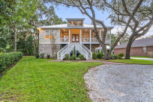 102 Georgia Avenue, Niceville, FL 32578