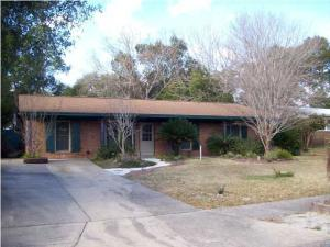 711 Marcia Circle, Mary Esther, FL 32569