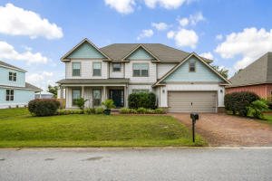 Large 6 bedroom home on Tropical Breeze Drive