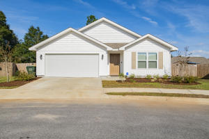 5894 Bay Tree Court, Milton, FL 32570
