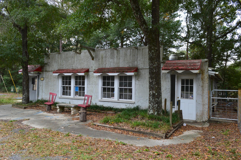 12555 US-90, Defuniak Springs, FL 32434