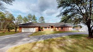 750 Lake Wilson Drive, Defuniak Springs, FL 32435