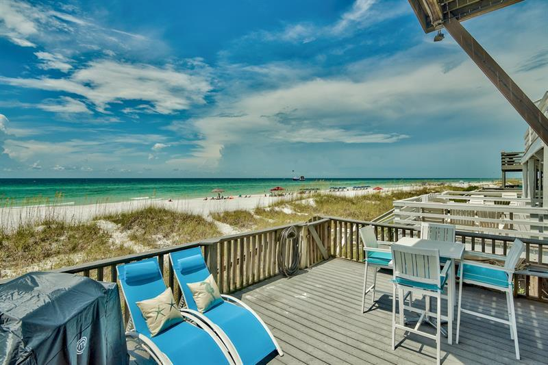 Excellent location and directly on the beach, this 4 bed/4 bath gulf front townhome would make a fan
