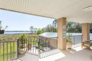 Private Serene Waterfront Estate