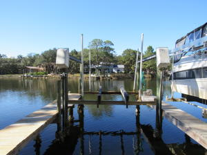 Your own Boat slip with Lift - Deep Water