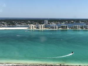 The beauatiful Emerald Coast