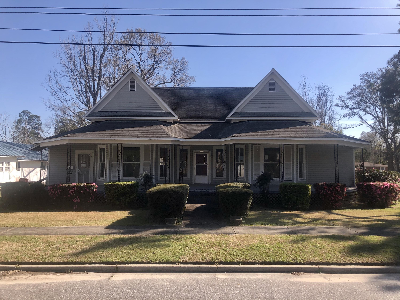 1291 Wells Avenue, Chipley, FL 32428