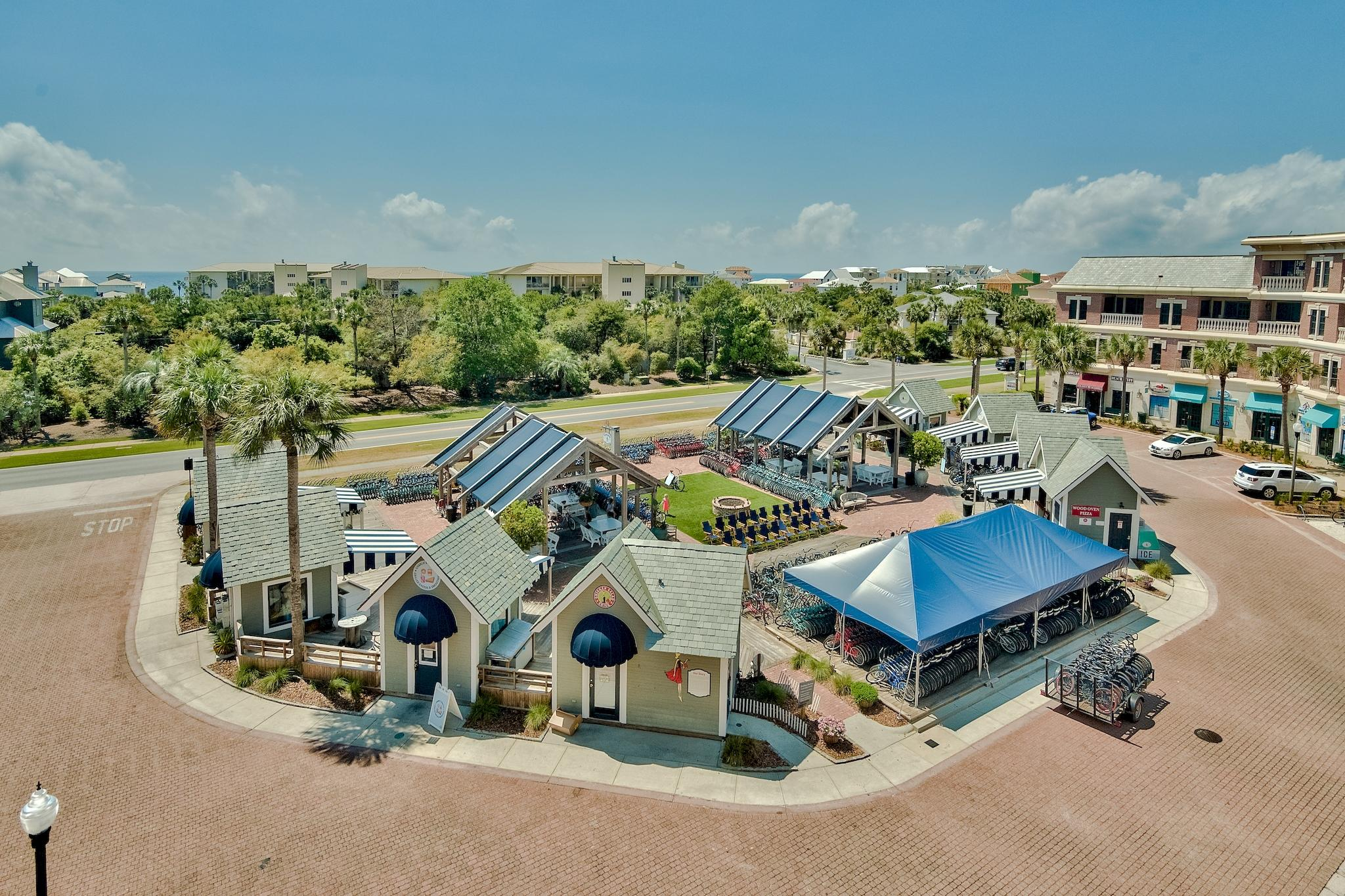 This large, 3br/2ba top floor east end unit is located directly between Seacrest and Rosemary Beach,