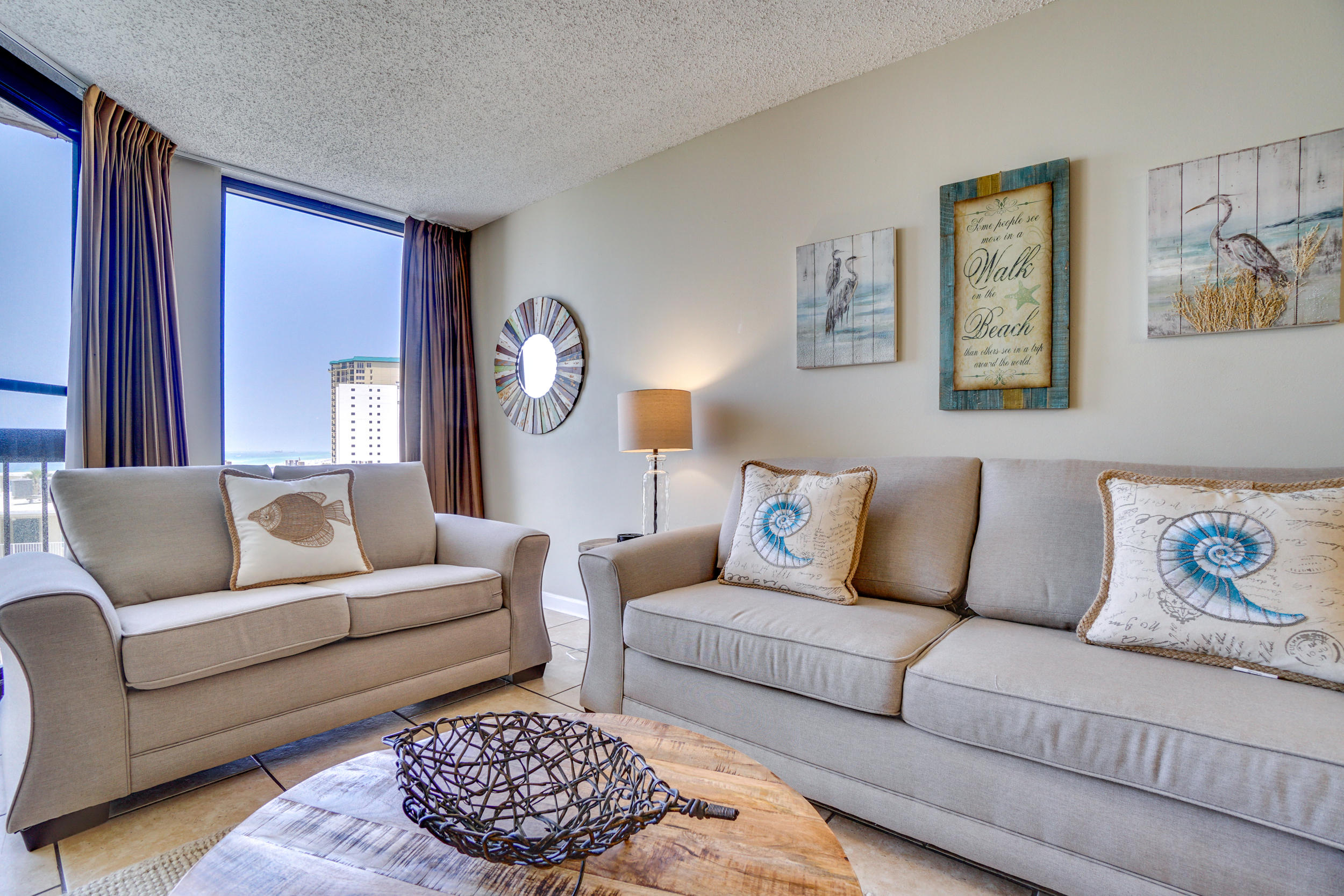 A warm Gulf breezes awaits you in this beautiful 1 bedroom condo in the Sundestin Resort. This brigh