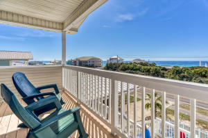 Beautiful gulf views and just a short walk to 3 beach accesses