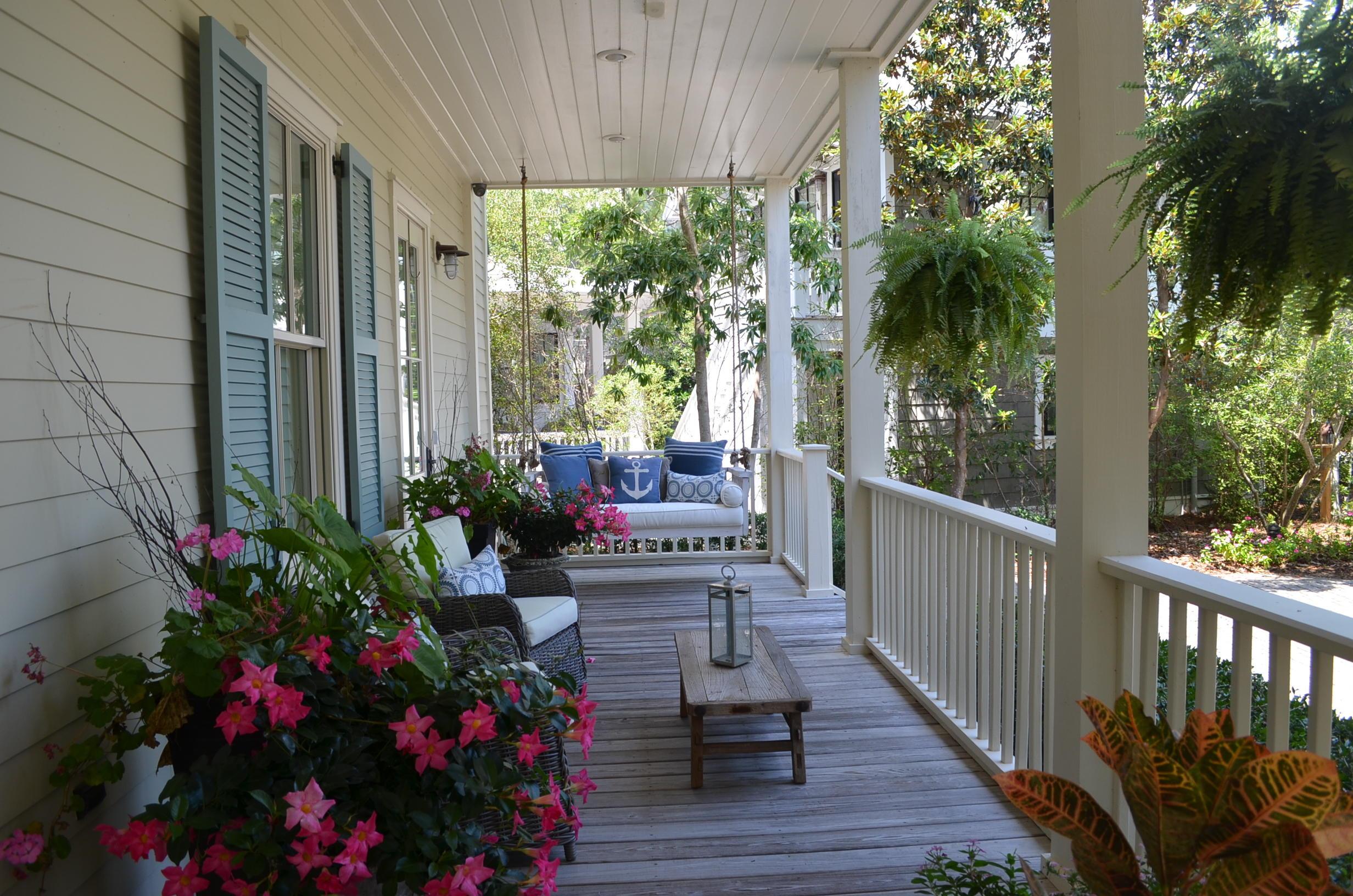 304 Cove Hollow Street  Photo 2