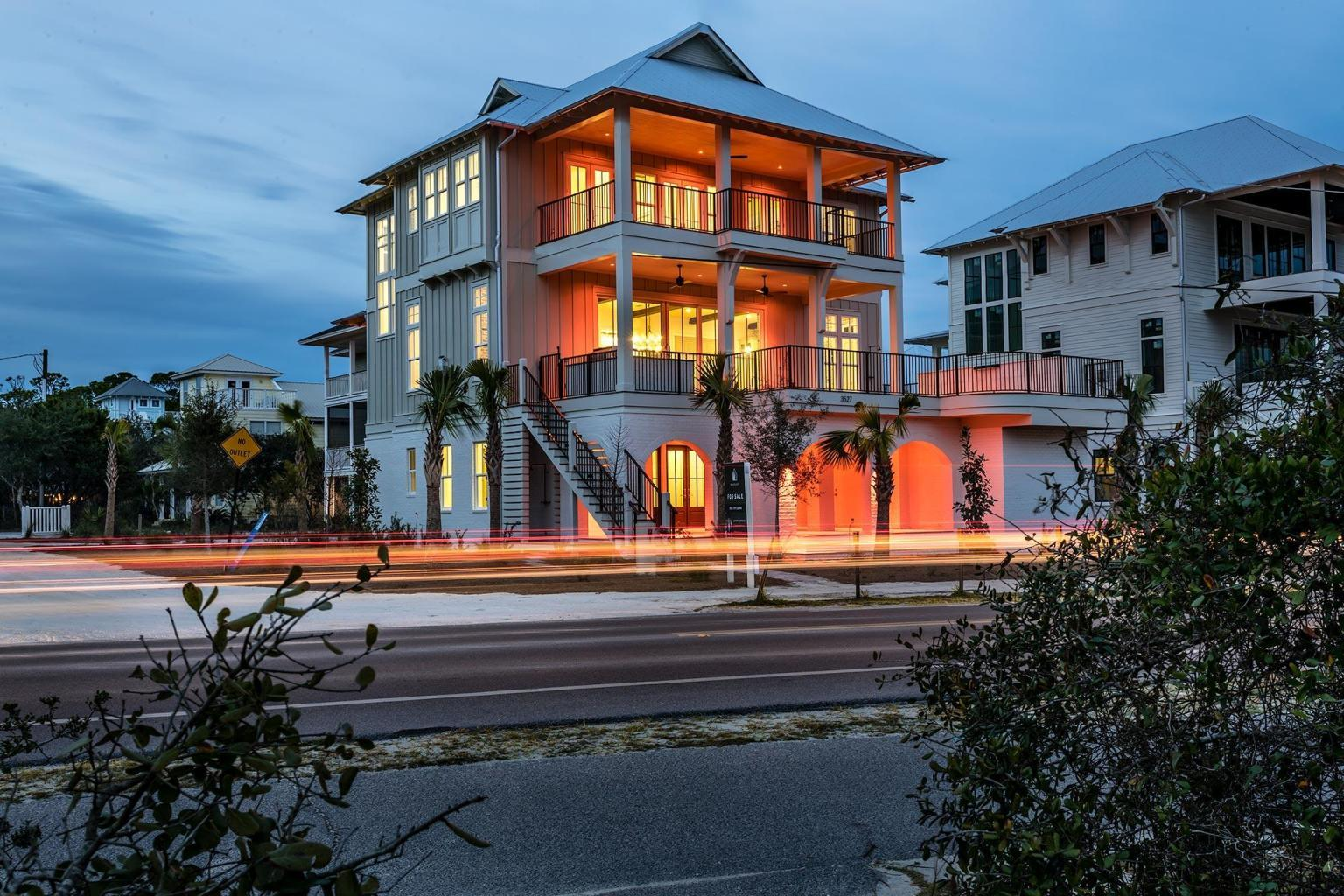 Sweeping views of the Gulf of Mexico combined with astonishing architecture exemplify this incredibl