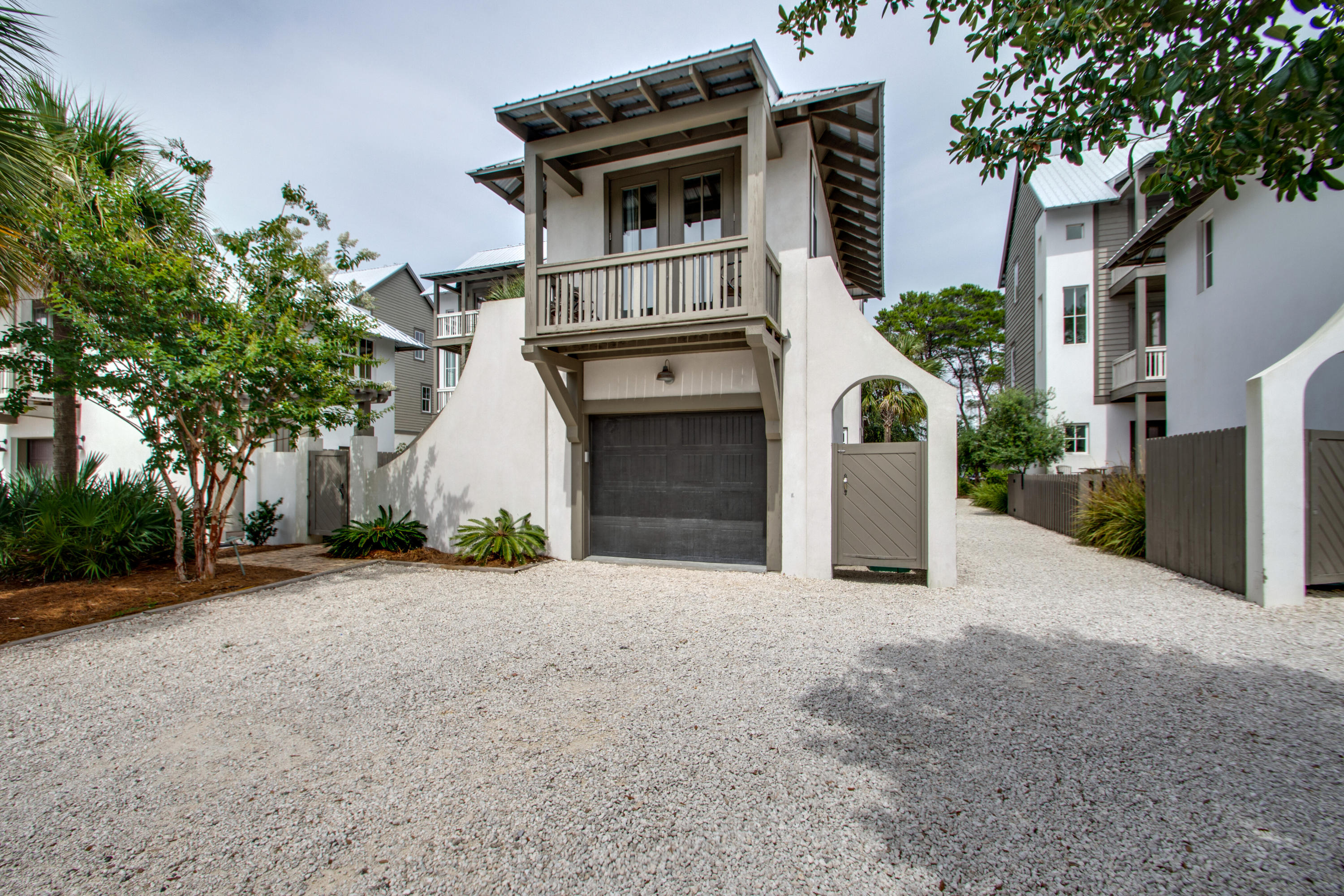Located adjacent to Rosemary Beach and a short walk to the Winston Lane beach access, this home is a