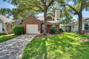 236 Parkwood Circle, Niceville, FL 32578