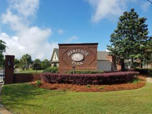 2036 Heritage Park Way, Navarre, FL 32566