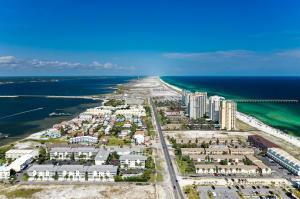 8459 Gulf Boulevard, Navarre, FL 32566