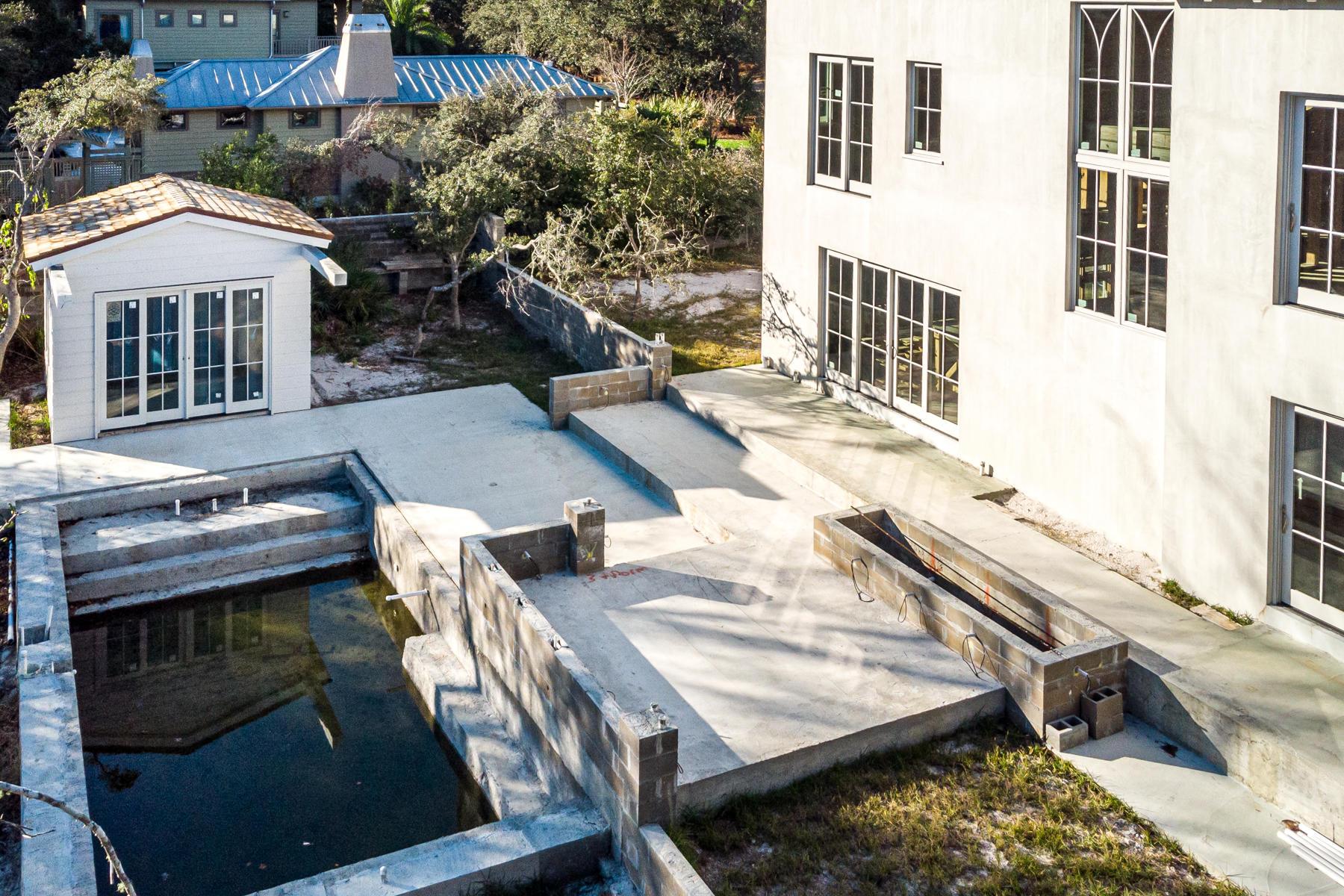 Pool/Upper Patio