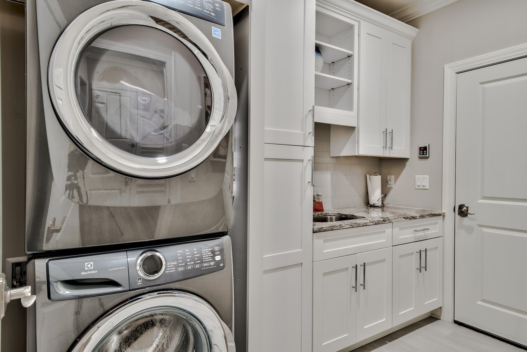 Sleek Laundry