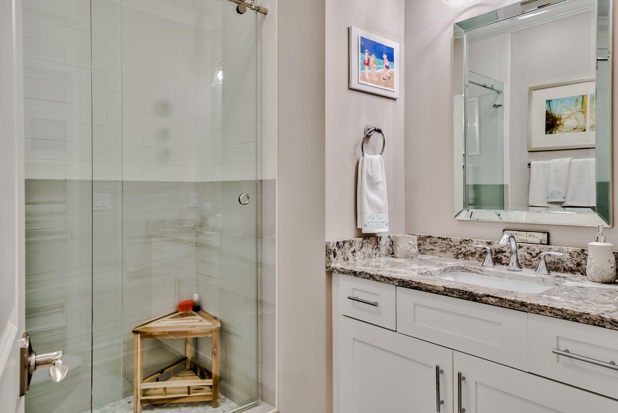 Full bath w Tile Shower