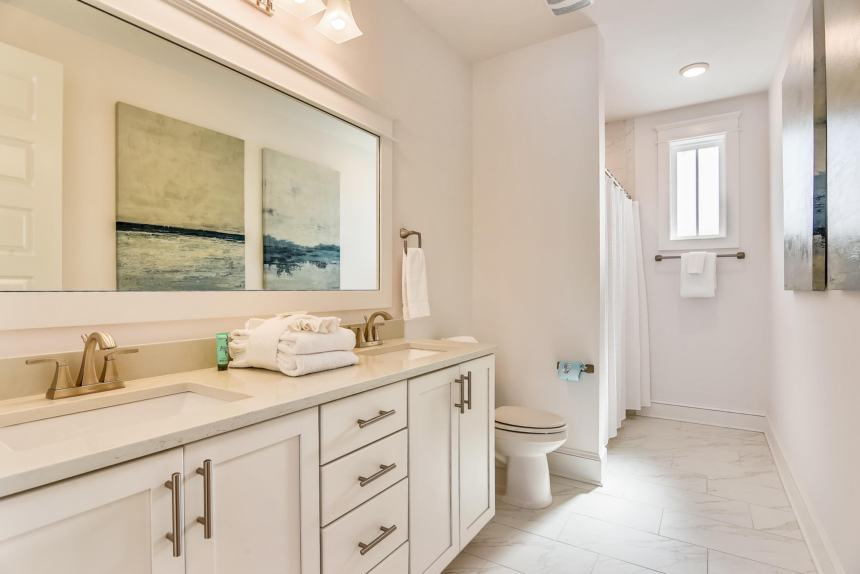 Interior-Bath-DSC3100