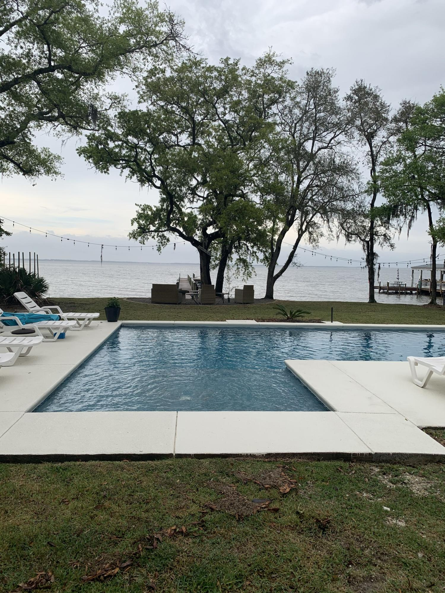 Beautiful Remodeled Home on Choctawhatchee Bay .100 Feet on the Water . 4 Bedrooms 2 Baths .All New Floors ,New Kitchen--- A Must see More info descriptions to be loaded later
