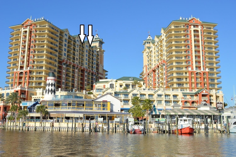 Emerald Grande W1322 Balconies