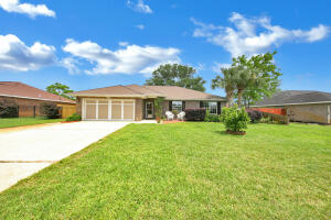 2064 Bella Breeze Court, Navarre, FL 32566