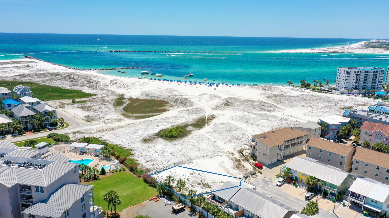 32 Gulf Breeze Court, Destin, FL 32541