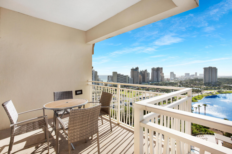 7024-balcony corner west