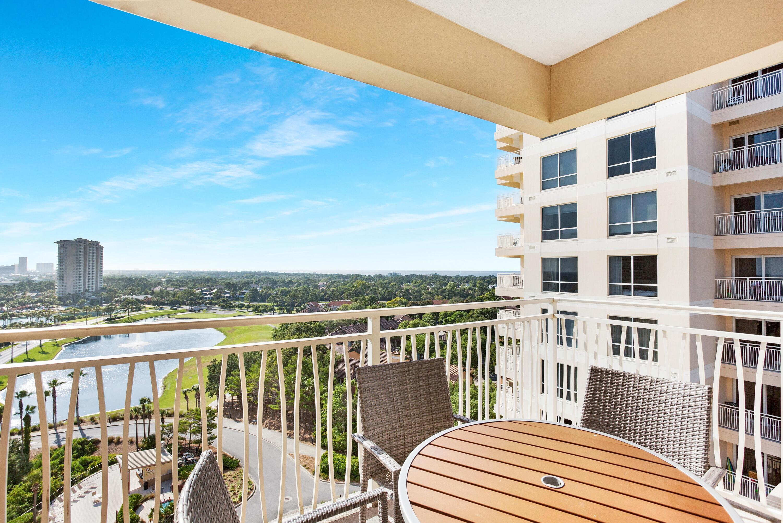 7024-balcony