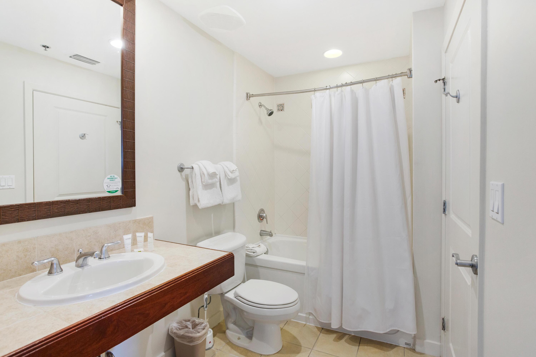 7024-full bath