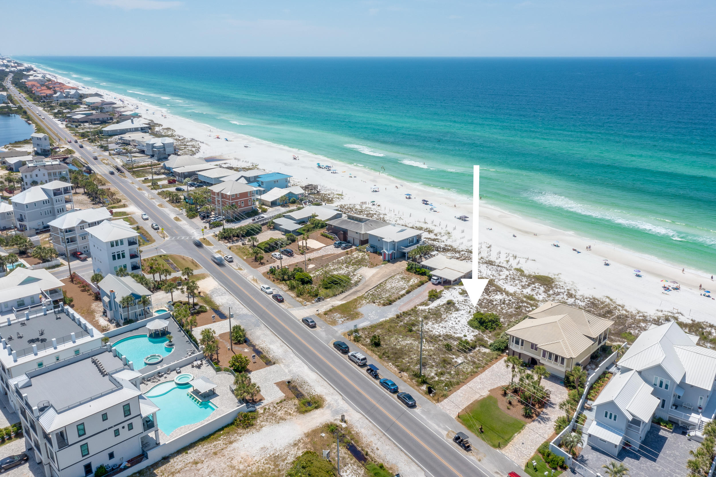 Under contract - Seller accepting back up offers until contingencies are lifted.  RARE GULF FRONT LO