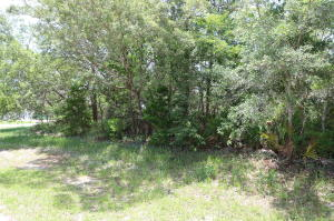 1391 Sound Retreat Drive, Navarre, FL 32566