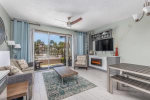 145 Spires Lane, APT 108, Santa Rosa Beach, FL 32459