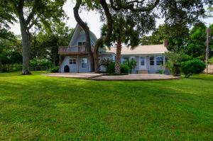 1561 Highway 98, Mary Esther, FL 32569