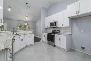 7945 Silver Maple Drive, Milton, FL 32583