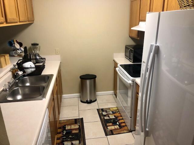 kitchen 3 909 pointe of view