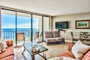 Fantastic 2-story penthouse unit offering 2 bedrooms on the first level with a loft featuring a kitchenette, full bathroom, and rooftop balcony.