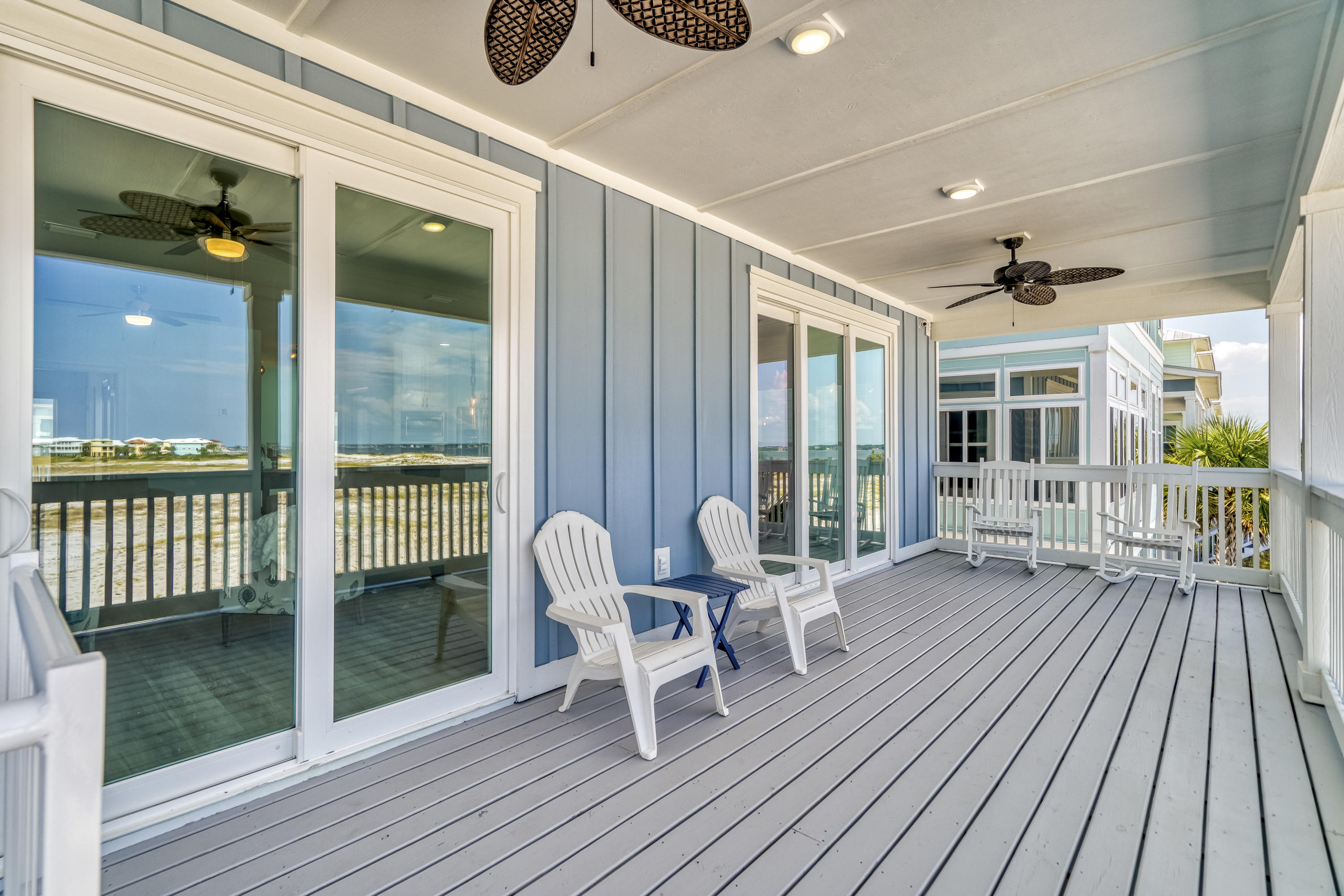 EXPANSIVE EASTERN DECK SIZE