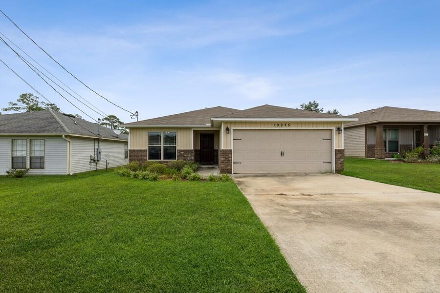 Need something move in ready! This is it! This home has only had one owner since 2017. You are greet