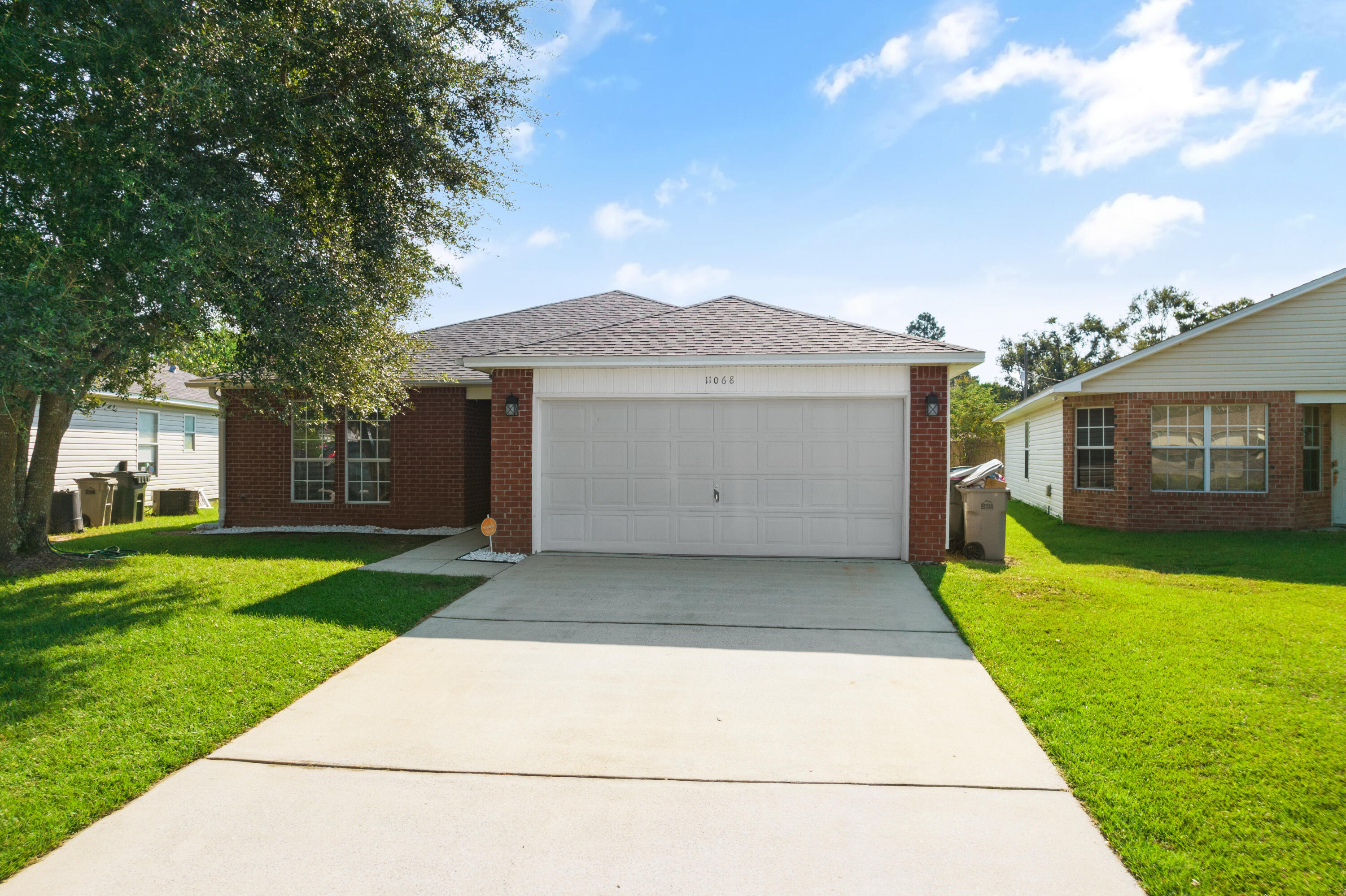 Welcome to your new home! Great location, within 10 minutes from major grocery stores, restaurants,