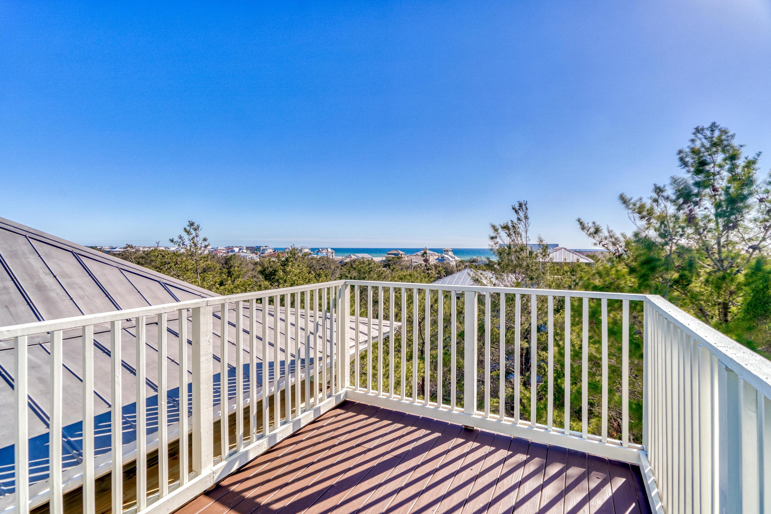 Welcome to 226 Williams Street, located in the fantastic community of Dalton Cottages in Seagrove Be