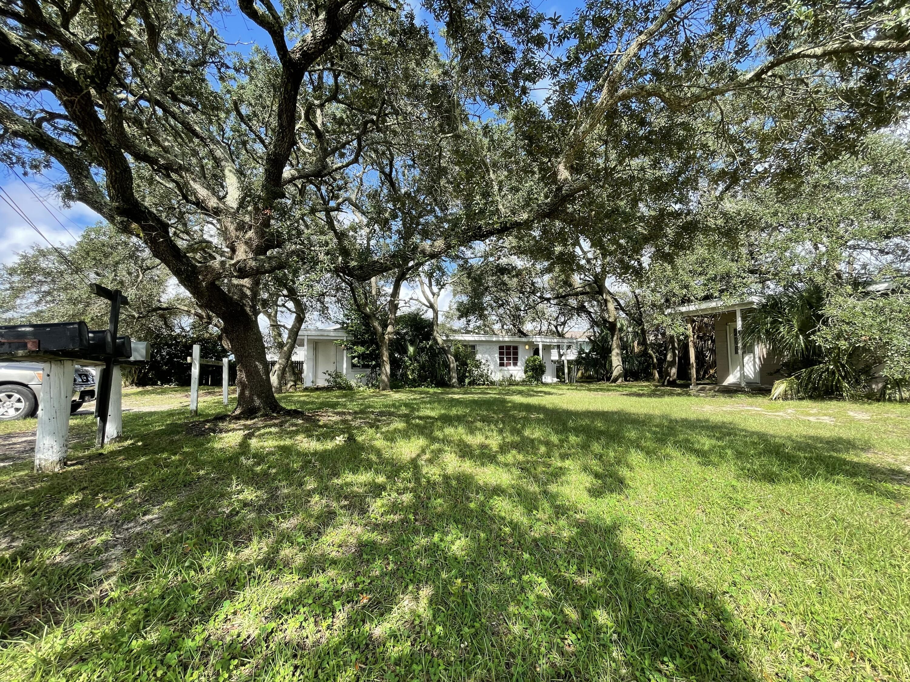 ***NO SHOWINGS UNTIL MONDAY AFTER OPEN HOUSE SATURDAY October 23rd 2021 10am-12pm***Attention Invest
